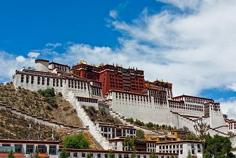 Larget palaces tibet potala palace 1