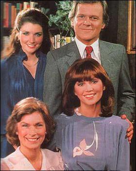 Picture of the cast of Dallas.