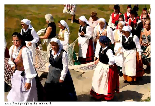 european countries still use traditional clothes spain gijon romeria san lorenzo