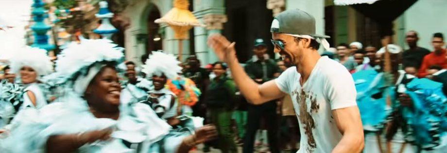 In 'Subeme La Radio' Enrique Iglesias Is Drunk and Heartbroken. Lyrics Translated.