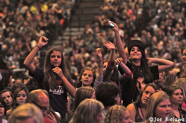 Justin Bieber net worth justins fans 2012