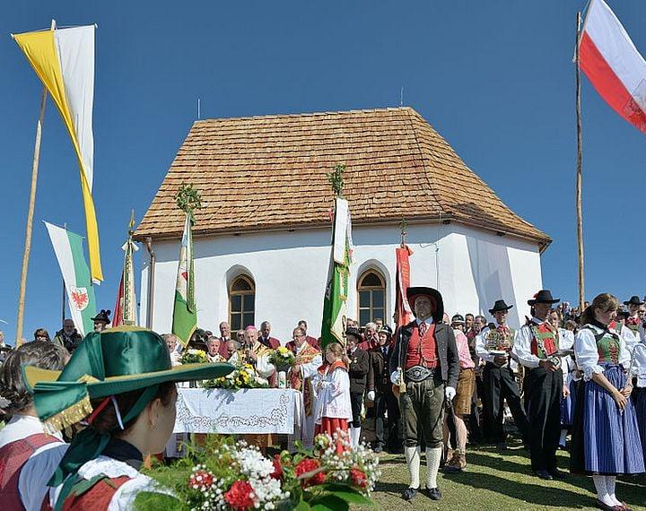 european countries still use traditional clothes italy val gardena reinaguration chapel 1 com