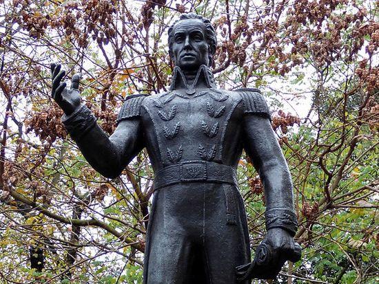 simon bolivar facts statues world london 2