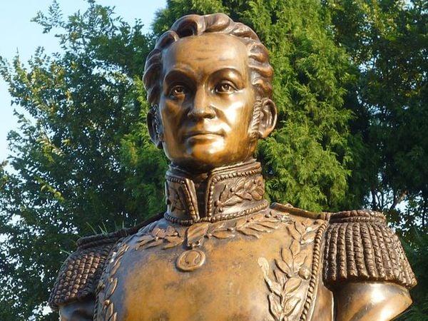 simon bolivar facts statues world sydney 1