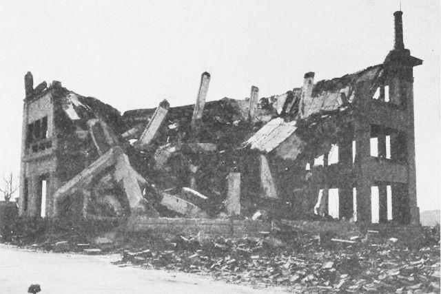 hiroshima nagasaki bombing pictures collapsed building