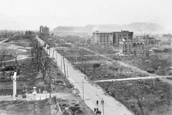 hiroshima nagasaki bombing pictures desolation b