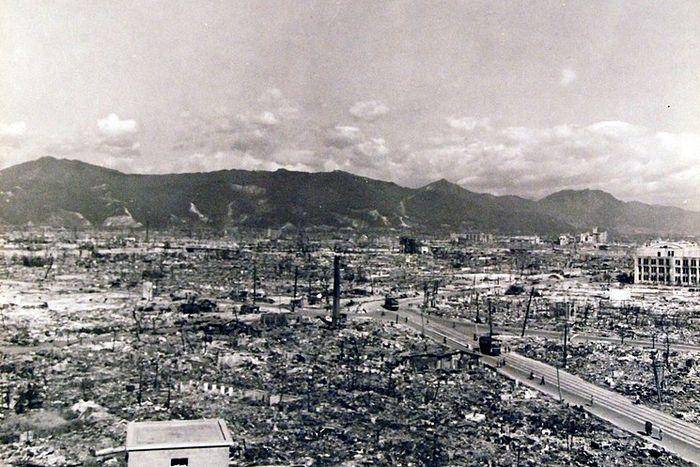 hiroshima nagasaki bombing pictures devastation b