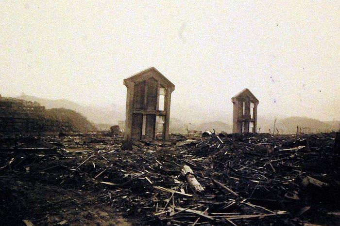 hiroshima nagasaki bombing pictures nagasaki devastation 1a