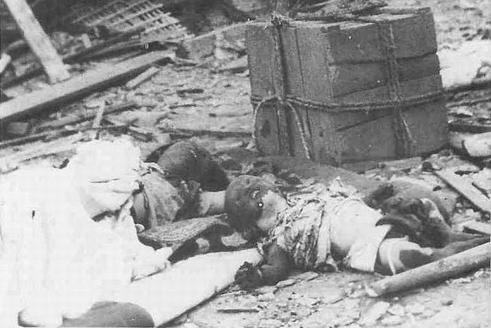 hiroshima nagasaki bombing pictures nagasaki mother baby dead 1a