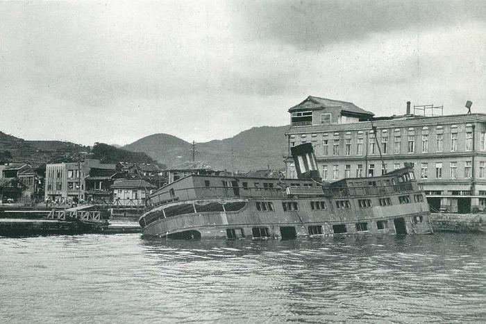 hiroshima nagasaki bombing pictures nagasaki ship sunk 1a