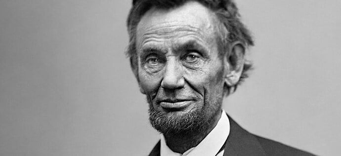 Black and white picture of Abraham Lincoln.