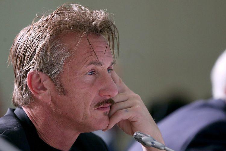Photo of Sean Penn.
