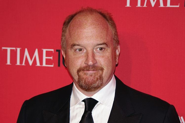 Photo of Louis CK on the red carpet.