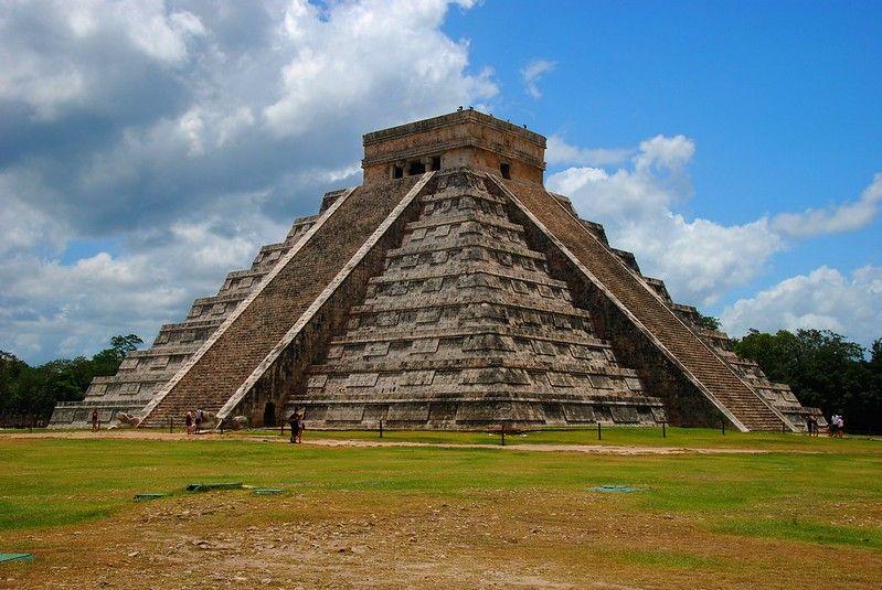 pyramid chichen itza 1
